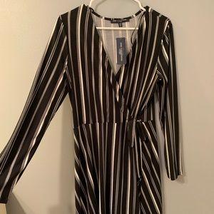 Stretchy Flattering long sleeve summer dress NWT